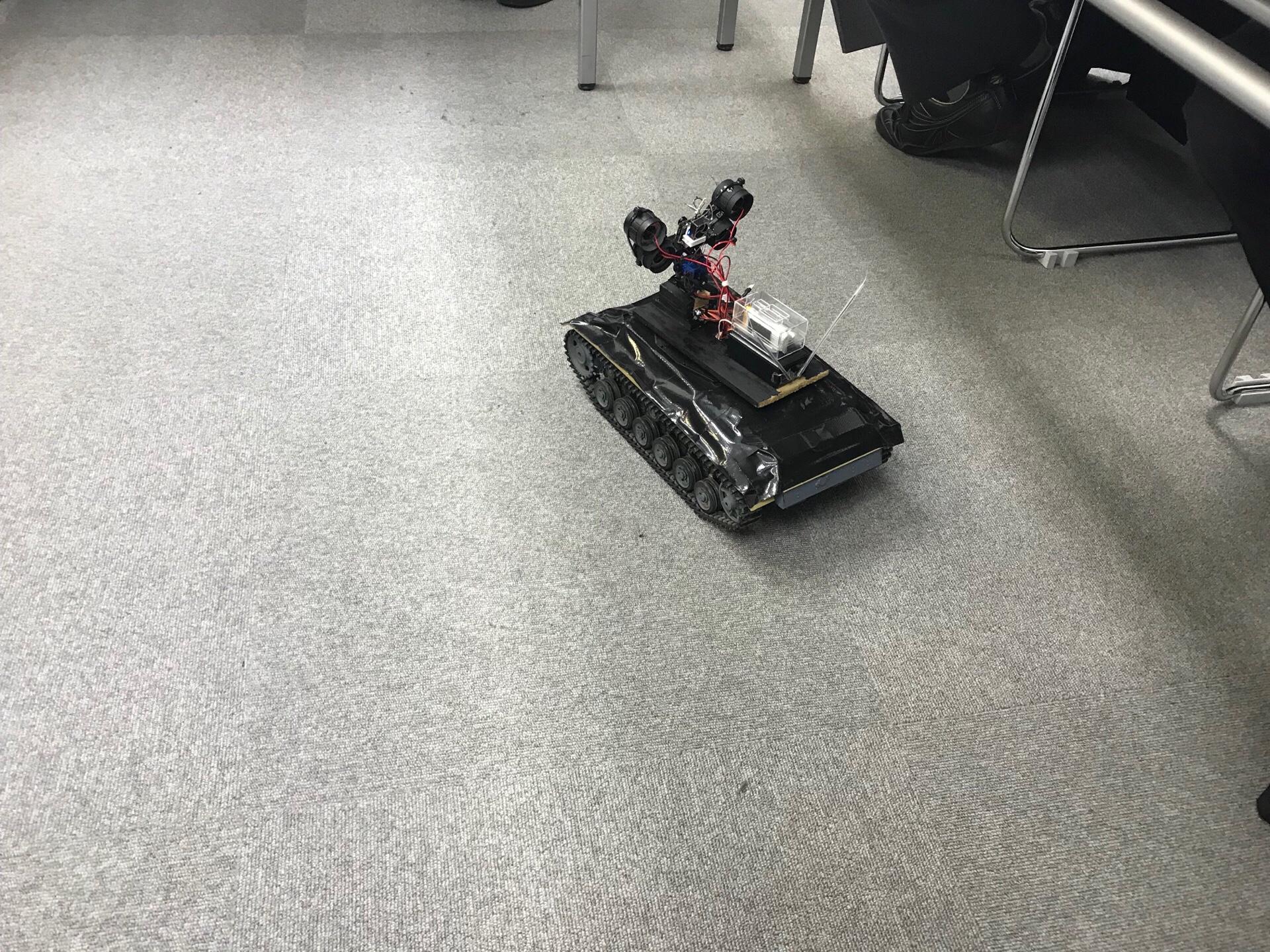 床下に潜るロボット210711130の画像