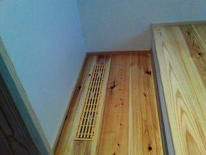 階間エアコン床下ファン20190916の写真