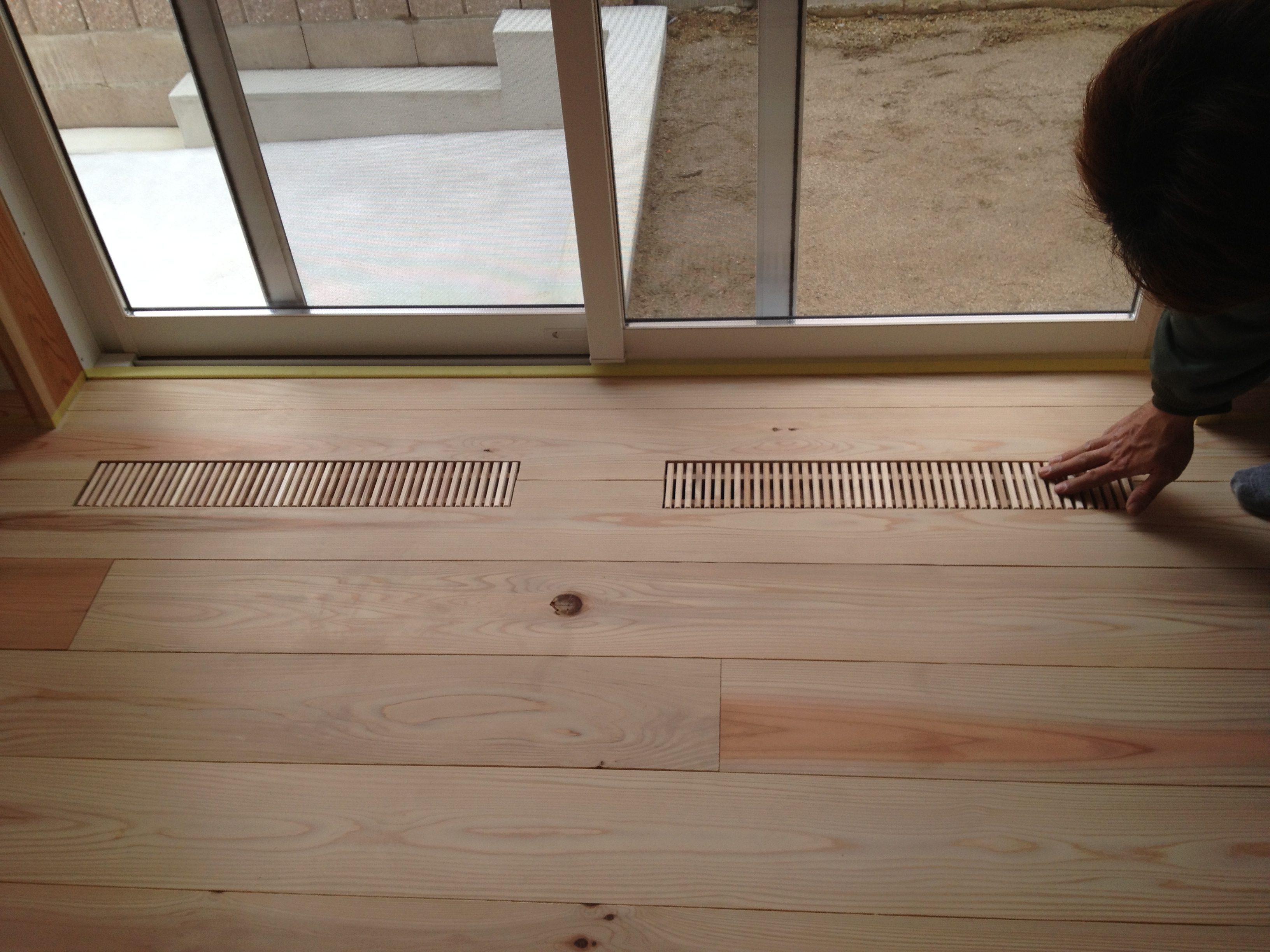 床下エアコン ガラリ2012の写真