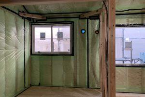 グラスウールの断熱施工の写真